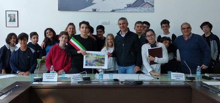 Il Consiglio Comunale dei Ragazzi di Pianezza torna a fare visita a Villa Leumann.