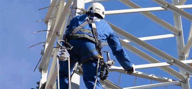 Lavori di rimozione conduttori e demolizione tratto di linea t217/233 dell'elettrodotto presente a Pianezza